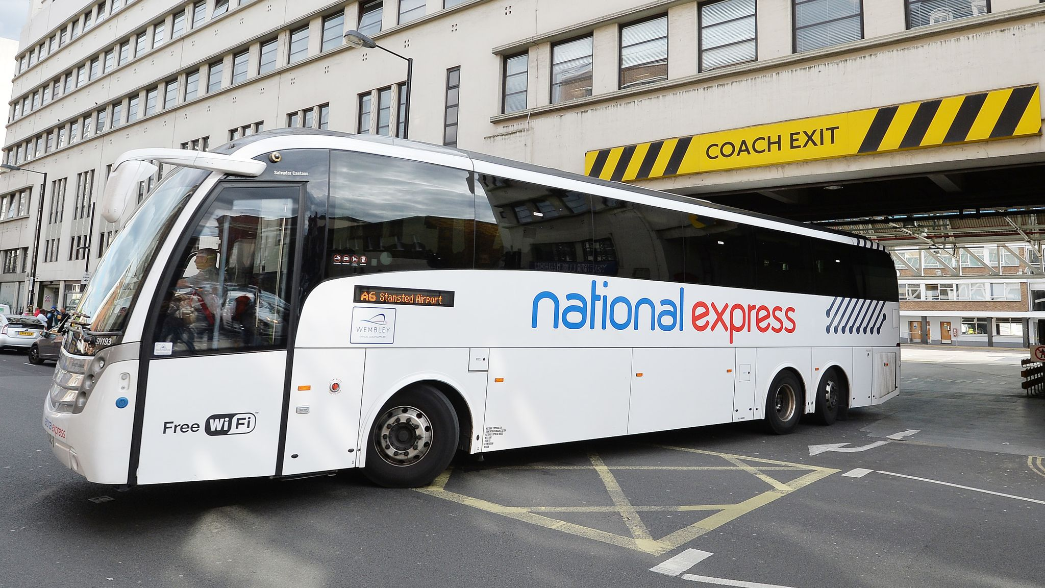 National Express :All services to suspend from 23:59 on Sunday 5 April